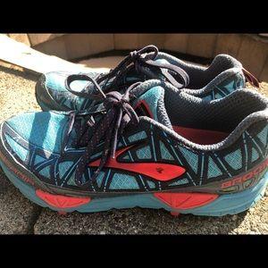 Brooks Cascadia Womens Running Shoes Size 7.5B